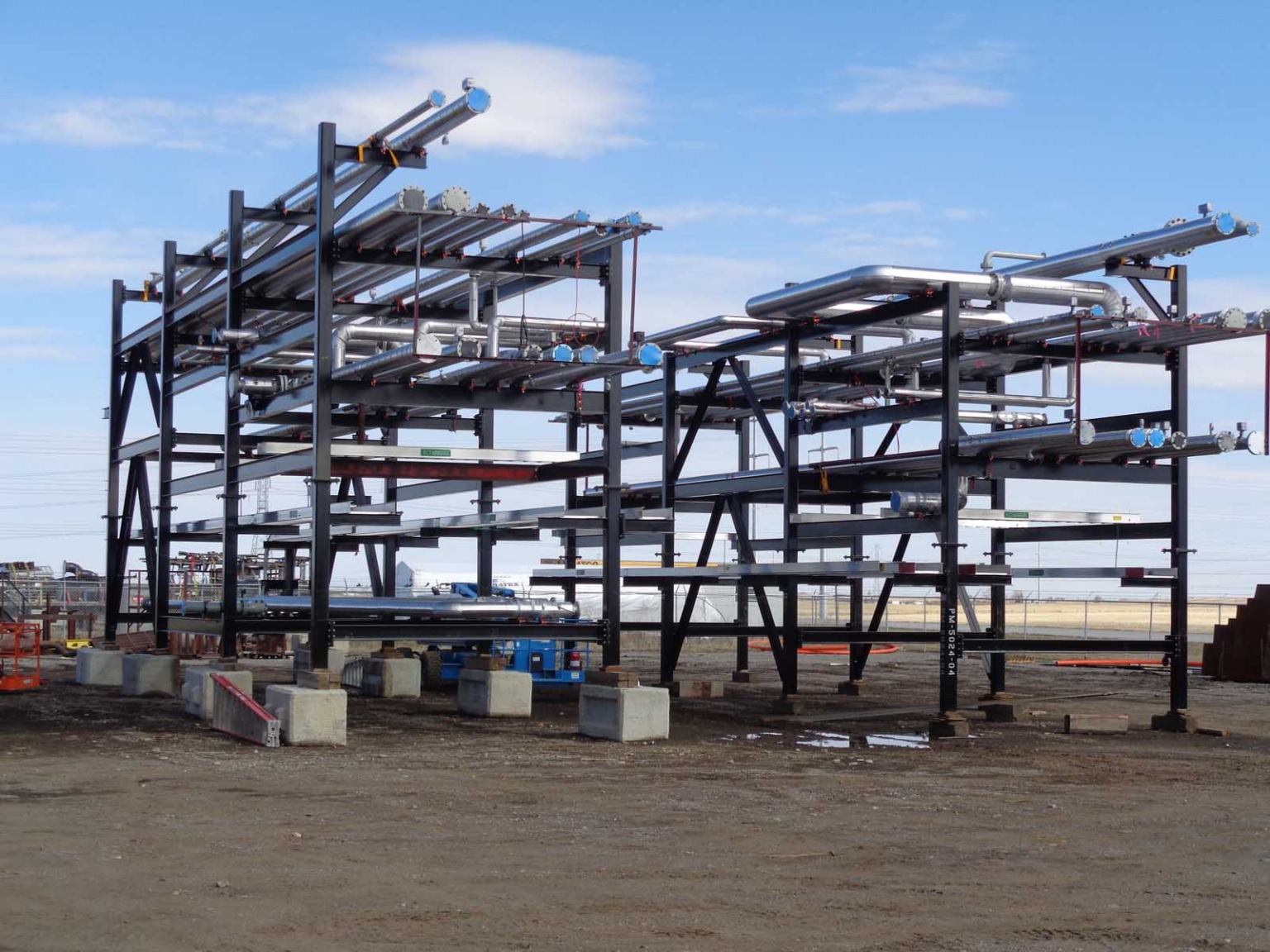 Pipe storage structure